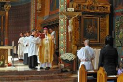 Foto - Kněžské svěcení